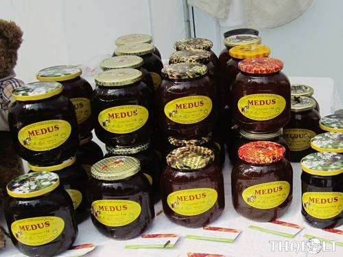 Shopping in Lithuania - Honey