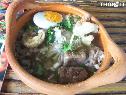 What to Eat at Kwan Riam Floating Market